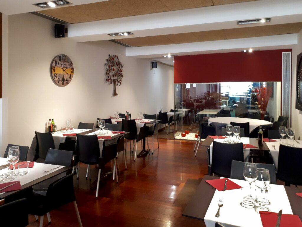 Restaurant interior Negoci